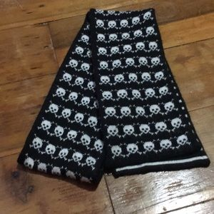 Black Skulls Scarf